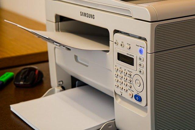 Kiedy wybrać drukarkę laserową zamiast atramentowej?