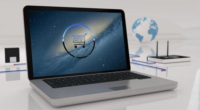 Sklepy komputerowe stacjonarne i online – gdzie opłaca się kupować sprzęt komputerowy?